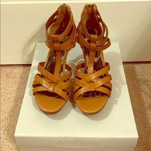 Tan color sandal Jessica Simpson